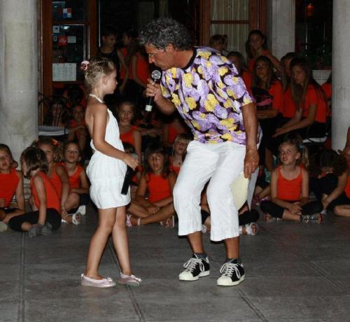 """Međunarodni festival mladih talenata """"Zlatni mikrofon"""""""
